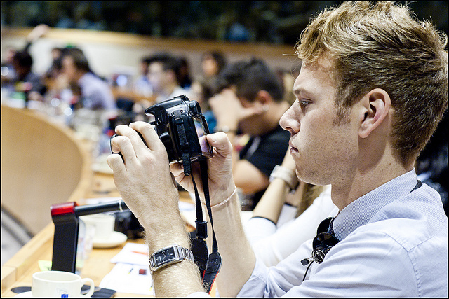 Young journalists look at how to report on the economic crisis :: Picture from European Parliament at Flickr
