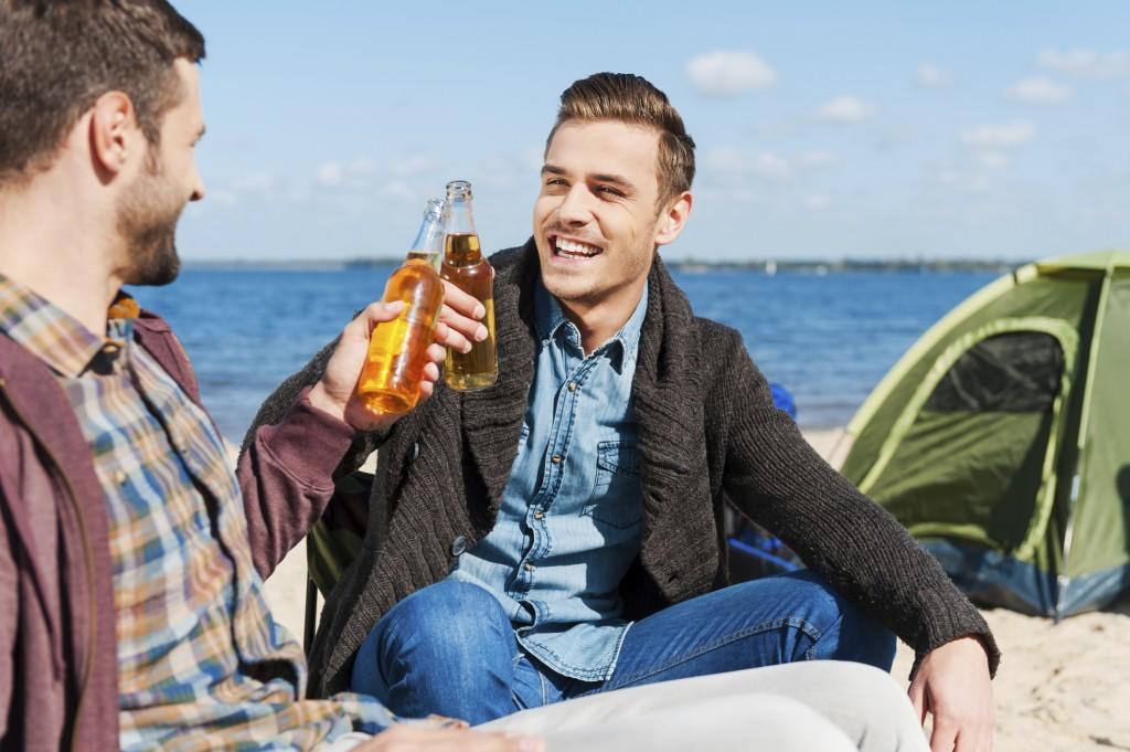 La cerveza, hecha de malta, también tiene gluten