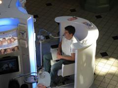 Blanqueamiento dental callejero :: Foto de Jay Tamboli en Flickr